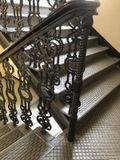 Металлическая лестница после производства работ_лестница+огражджения+пермла