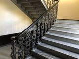 Металлическая лестница после призводства работ_лестница_ограждение.
