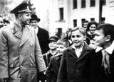 25 сентября 1963 год. Юрий Гагарин с учащимися школы №2