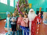 3 класс с Дедом Морозом и Снегуркой