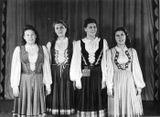 Милица Кубли (вторая справа) с подругами. 1948