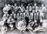 Американский джаз-ансамбль, 1905. Крайний справа внизу – Карл Раутио