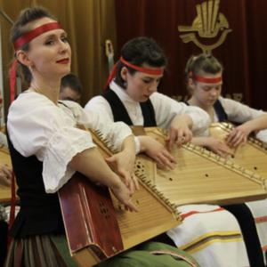 100 музыкантов из Карелии встретились на Марафоне кантелистов в Петрозаводске