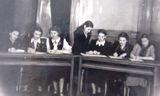 Занятия народной вокальной группы. Преподаватель — С.П.Оськиной. Февраль 1954 года