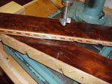 2 боковины – вот и все, что осталось от неизвестной модели кантеле неизвестного (сегодня) мастера. Возможно, то, что они сделаны из древесины граба, а также применение инкрустации, указывает на не карельское происхождение инструмента…