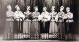 Народная вокальная группа в 1958 году. Вторая справа — руководитель С.П.Оськиной