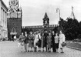 Эльза Баландис в числе артистов на Красной площади в Москве, 1959 г.
