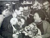 Артисты Музыкально-драматического театра Карелии Дмитрий Утикеев и Ядвига Страздас, прибывшие в Москву на Декаду карельского искусства и литературы, 18 августа 1959 г.