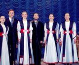 Артисты вокальной группы «Айно» и мужского квартета. 2005 г.
