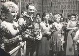 Гастроли в Нойбранденбурге (ГДР) — городе-побратиме Петрозаводска, 1972 г. Татьяна Антышева среди артистов «Кантеле» крайняя слева