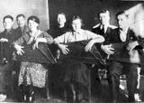 Кружок кантелистов. 1936 г. На втором фото третий справа — Виктор Гудков