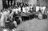 После концерта в Доме народного творчества Петрозаводска. 1936. В первом ряду шестой слева — Виктор Гудков