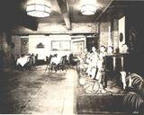 Теплицкий (за роялем) с группой музыкантов в Русском павильоне на Сельскохозяйственной выставке в Филадельфии (США), 1926 г.