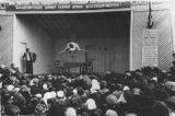 Заключенные Эльза Баландис и Николай Богданов выступают с акробатическим номером в праздничном концерте к Дню железнодорожника на открытой площадке. Воркута, 1948(49) гг.
