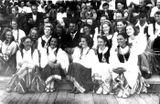 «Кантеле» в Таллине, 1947 г. Эльза Баландис — слева (в платочке).