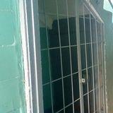 Решётчатая дверь