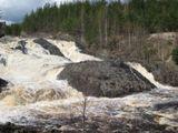 Гирвас во время спуска воды на ГЭС