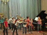 Учащиеся 1 класса эстетического отделения (преп. по музыке Голубева Н.А., концертмейстер Акимова Е.А.)