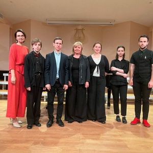 Сегодня в рамках Летней творческой школы для учащихся ЖДШИ №1 прошёл мастер-класс профессора РАМ им Гнесиных Жулевой Елены Николаевны (виолончель).