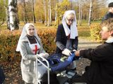 На станции студенты АОУ СПО РК «Петрозаводский базовый медицинский колледж» в исторических медицинских костюмах