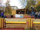 На спортивной площадке участники акции смогли  испытать свои силы на батутах