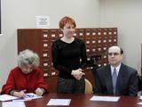 Елена Савченкова (в центре)
