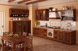 """Кухня """"Руна"""". Фасад:  массив + шпон дуба."""