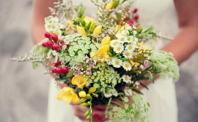 Фото нежный букет полевых цветов