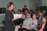 Викторину со зрителями проводит Г.Н.Харина