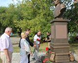 Возложили цветы к бюсту генерала Василия Маргелова