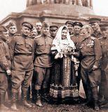 Лидия Русланова после победного концерта на ступенях Рейхстага, 9 Мая 1945 года.