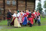 Заонежская свадьба у дома Яковлева