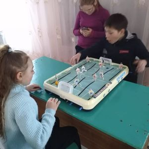 Занятия в клубе выходного дня школьника в Александровском СДК