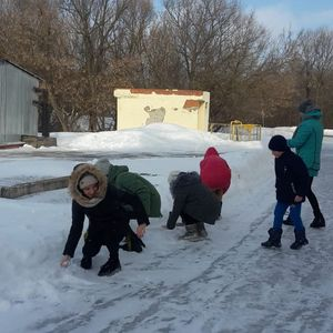 """Детская игровая программа """"Раз снежок, два снежок, выходи гулять дружок"""""""