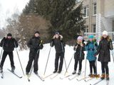 На уроке физкультуры. Лыжная подготовка