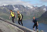 "Мы лезем-лезем-лезем. Савчук Кирилл. Норвегия, Лофотенские острова. Номинация ""Люди на скалах и в горах""."