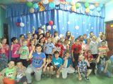 Лето снова наступило, Все мы в лагере сейчас.  Солнышко нас озарило –  Будет лето просто класс!!!