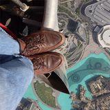 11. «На грани безумия». Вид с вершины самого высокого здания в Мире — небоскреба Бурдж-Халифа в Дубае. Автор Joe McNally.