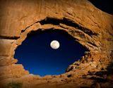 21. Лунный глаз. Фотограф Lynn Sessions.