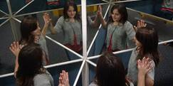 http://fiziks.org.ua/wp-content/uploads/2011/02/mirrors-Kaleidoscope.JPG