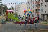 Установка детской площадки по  ул. Больничный городок    в п. Матросы, стоимость проекта -576 тыс.рублей, подрядная организация – ООО «Спорт М»