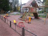 Установка детской площадки по Ленинградскому шоссе, 39 г.Лахденпохья, стоимость проекта -520 тыс.рублей, подрядная организация – ООО «Киндер Домик»