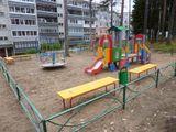 Установка детской площадки по  ул. Ленина 15  в  г.Костомукша, стоимость проекта -395 тыс.рублей, подрядная организация – ООО «Квазар»