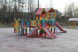Установка детской площадки в  п.Надвоицы, стоимость проекта -1400 тыс.рублей, подрядная организация – ООО «Интерстрой»