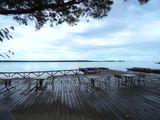 Вид с кафе на озеро