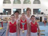 Спортивные гимнасты