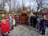У памятника герою Советского Союза Рыжову В.К.